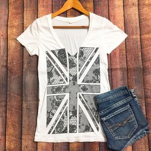 🇬🇧 Union Jack 🇬🇧 V-Neck Graphic Tee